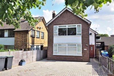 Connaught Avenue, Loughton, Essex