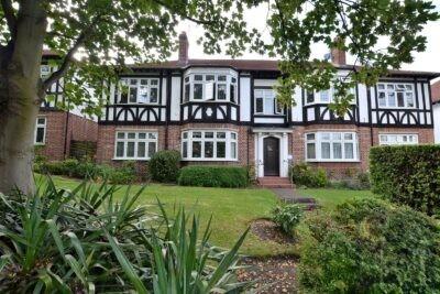 Grange Court, Loughton, IG10